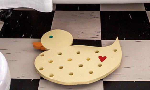 How to make a fun duck-shaped duckboard