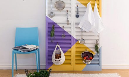 How to transform old louvre doors into an unusual utensil organiser