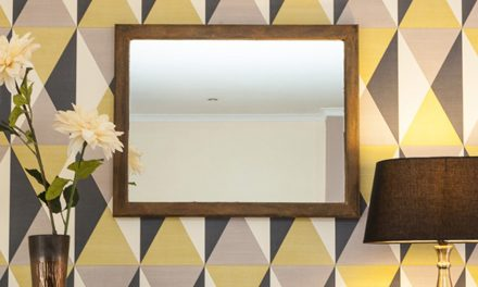How to give a mirror frame a chic rusted finish