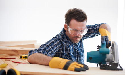 How to use power tools in a safe manner