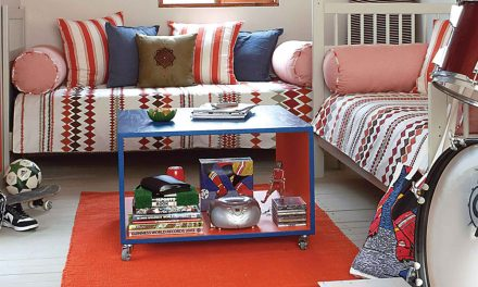 How to convert a wendy house into a teen chill room