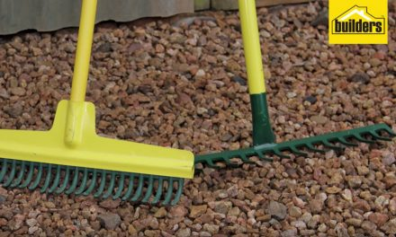 How to choose the right rake for your gardening