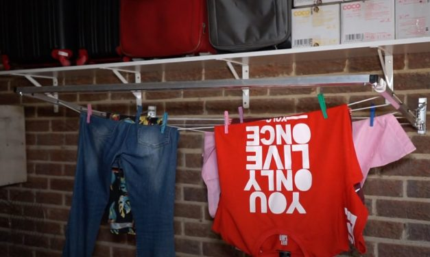 How to install an indoor washing line
