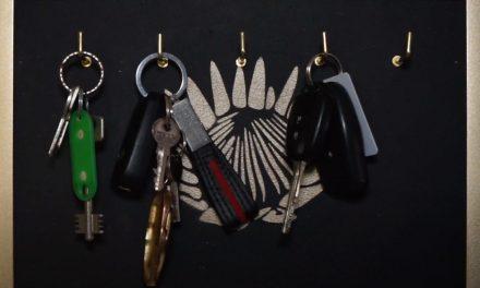 How to make a keyring holder
