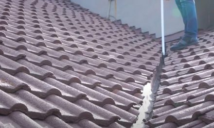 How to Inspect and Clear Roof Valleys