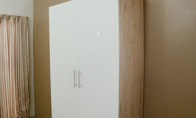 How To Assemble the HK High Gloss Two Tone Built In Cupboard
