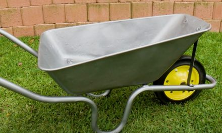 How to replace the wheel on your wheelbarrow
