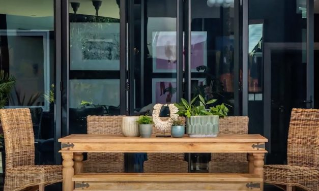 Décor Trends – Dining Outdoors